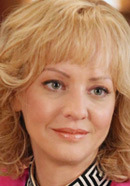 Wendi McLendon-Covey as Beverly